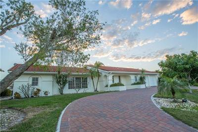 Marco Island Single Family Home For Sale: 276 SW Grapewood Ct