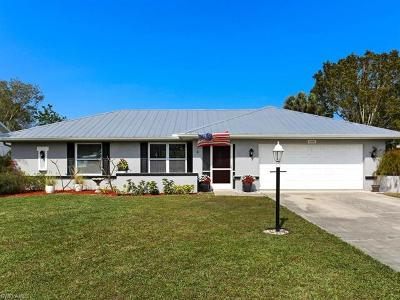 Fort Myers Single Family Home For Sale: 6060 Macbeth Ln
