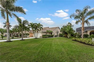 Naples Single Family Home For Sale: 108 Bermuda Dunes Ct #142-1