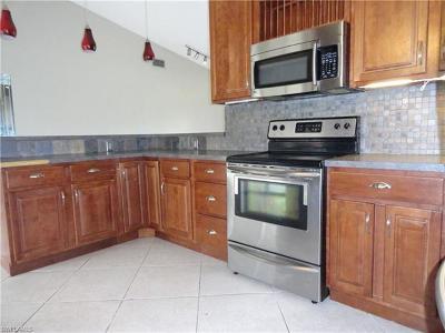 Fort Myers Single Family Home For Sale: 6007 Deer Run