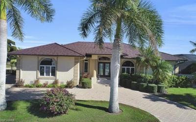 Marco Island Single Family Home For Sale: 37 Templewood Ct