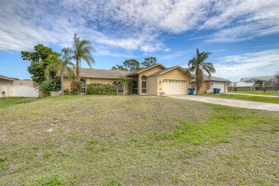 Fort Myers Single Family Home For Sale: 18037 Phlox Dr
