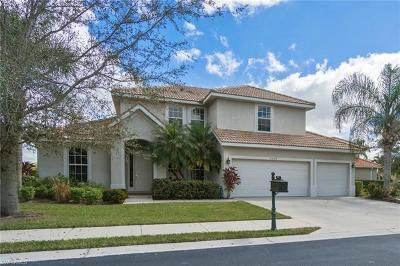 Naples Single Family Home For Sale: 5009 Old Pond Dr