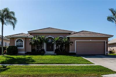 Marco Island Single Family Home For Sale: 1141 Cara Ct