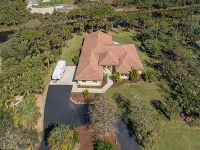Naples Single Family Home For Sale: 880 NW 5th St