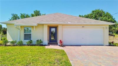 Cape Coral Single Family Home For Sale: 1825 S Gator Cir