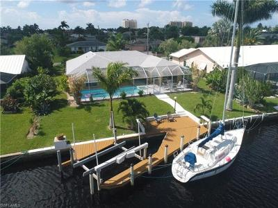 Cape Coral Single Family Home For Sale: 933 SW 54th Ln