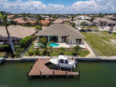 Marco Island Single Family Home For Sale: 428 Marquesas Ct