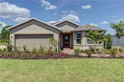Cape Coral Single Family Home For Sale: 3423 Cancun Ct