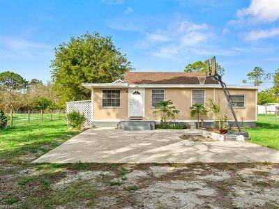 Naples Single Family Home For Sale: 2331 Della Dr