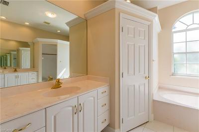 Marco Island Single Family Home For Sale: 1172 Bond Ct