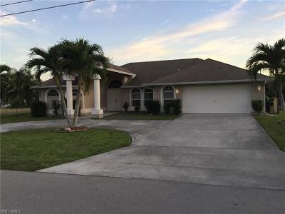 Cape Coral Single Family Home For Sale: 1812 SE 1st Ter