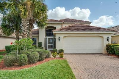 Fort Myers Single Family Home For Sale: 9247 Independence Way
