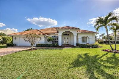 Naples Single Family Home For Sale: 2092 Imperial Cir