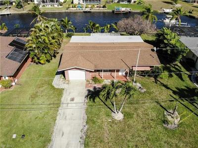 Cape Coral Single Family Home For Sale: 2539 E Retunda Pky