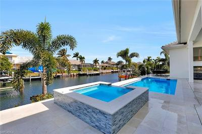Marco Island Single Family Home For Sale: 1610 Winterberry Dr