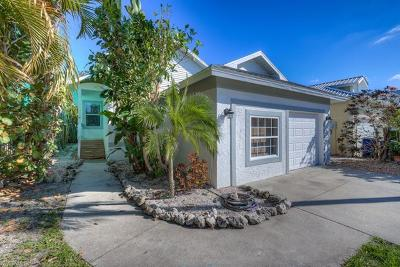 Fort Myers Single Family Home For Sale: 6084 Waterway Bay Dr
