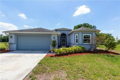 Fort Myers Single Family Home For Sale: 12150 Clover Dr