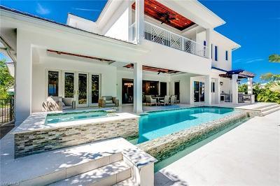 Single Family Home For Sale: 615 Fountainhead Ln