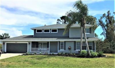 Fort Myers Single Family Home For Sale: 8370 S Cypress Dr