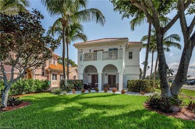 Naples Single Family Home For Sale: 11002 Vanderbilt Dr