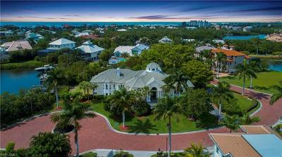 Bonita Springs Single Family Home For Sale: 219 Malibu Cv