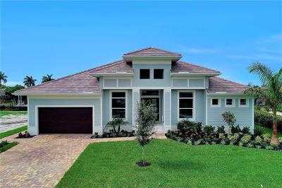 Marco Island Single Family Home For Sale: 1065 Dill Ct