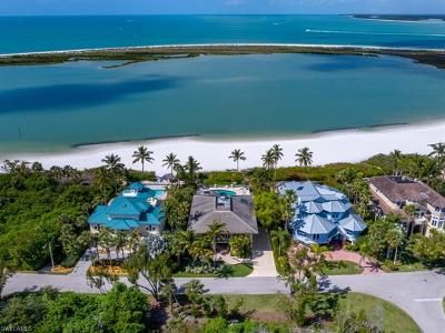 Marco Island Single Family Home For Sale: 310 Seabreeze Dr