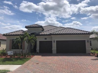 Bonita Springs Single Family Home For Sale: 28051 Kerry Ct