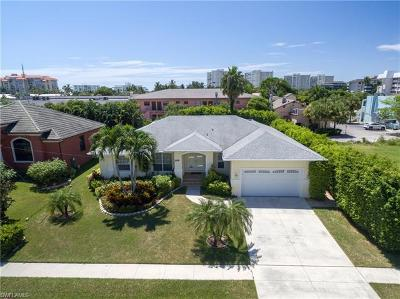 Marco Island Single Family Home For Sale: 248 Castaways St
