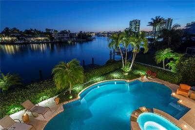 Naples Single Family Home For Sale: 330 Neptunes Bight