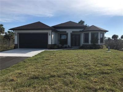 Naples Single Family Home For Sale: 2625 SE 20th Ave