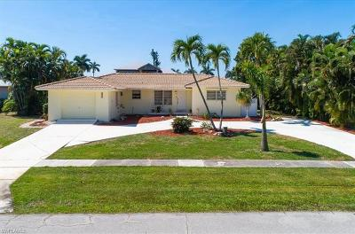 Marco Island Single Family Home For Sale: 442 Tarpon Ct