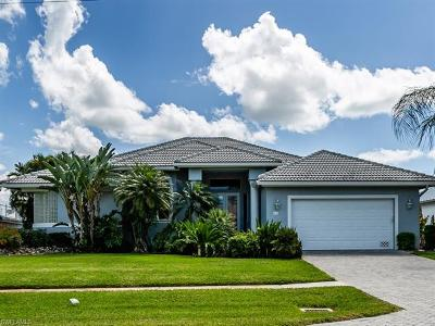 Marco Island Single Family Home For Sale: 21 Gulfport Ct