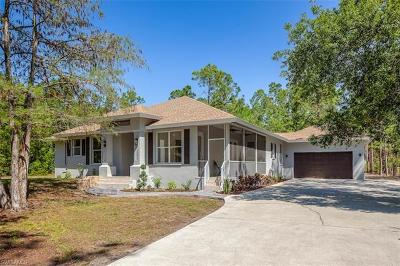 Naples Single Family Home For Sale: 5811 Hidden Oaks Ln