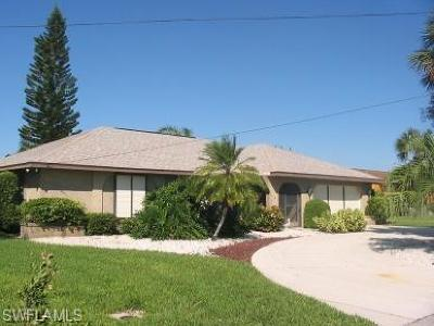 Bonita Springs Single Family Home For Sale: 27090 Flossmoor Dr