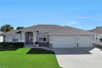 Marco Island Single Family Home For Sale: 235 Seminole Ct