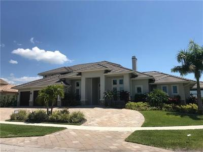 Marco Island Single Family Home For Sale: 484 Pepperwood Ct