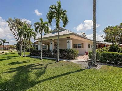 Naples Single Family Home For Sale: 1378 N 11th Ct