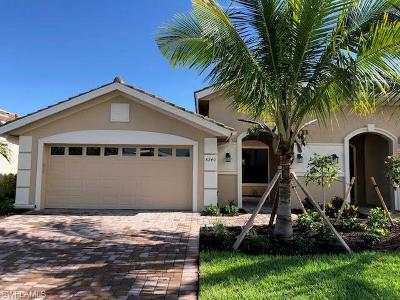 Fort Myers Single Family Home For Sale: 8240 Venetian Pointe Drive Dr