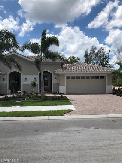 Fort Myers Single Family Home For Sale: 8131 Venetian Pointe Drive Dr