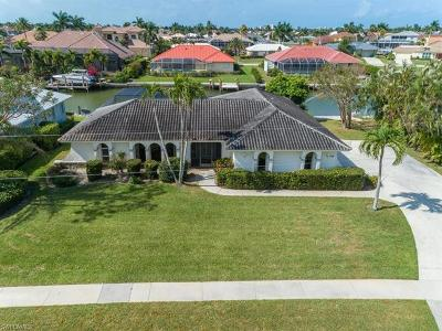 Marco Island Single Family Home For Sale: 166 Stillwater Ct