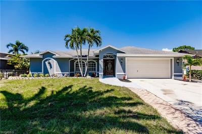 Fort Myers Single Family Home For Sale: 8325 Butternut Rd