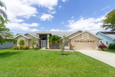 Fort Myers Single Family Home For Sale: 17090 Caloosa Trace Cir