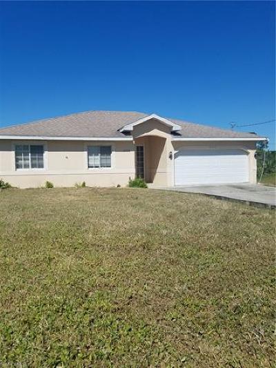 Naples Single Family Home For Sale: 2725 NE 41st Ave