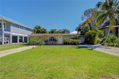 Naples Single Family Home For Sale: 774 Pan Am Ave