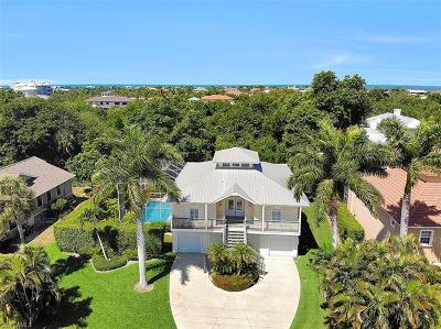 Marco Island Single Family Home For Sale: 870 Kendall Dr