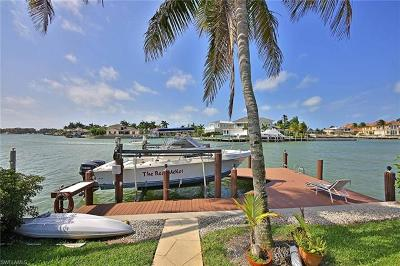 Marco Island Single Family Home For Sale: 665 Rockport Ct