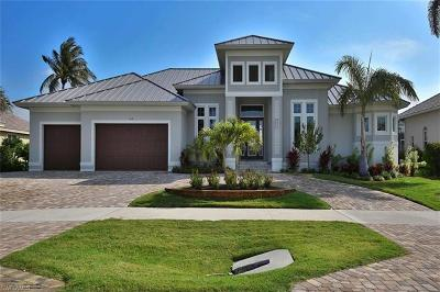 Marco Island Single Family Home For Sale: 359 N Barfield Dr