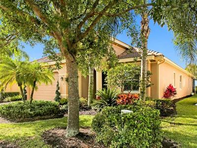 Naples Single Family Home For Sale: 10406 Smokehouse Bay Dr